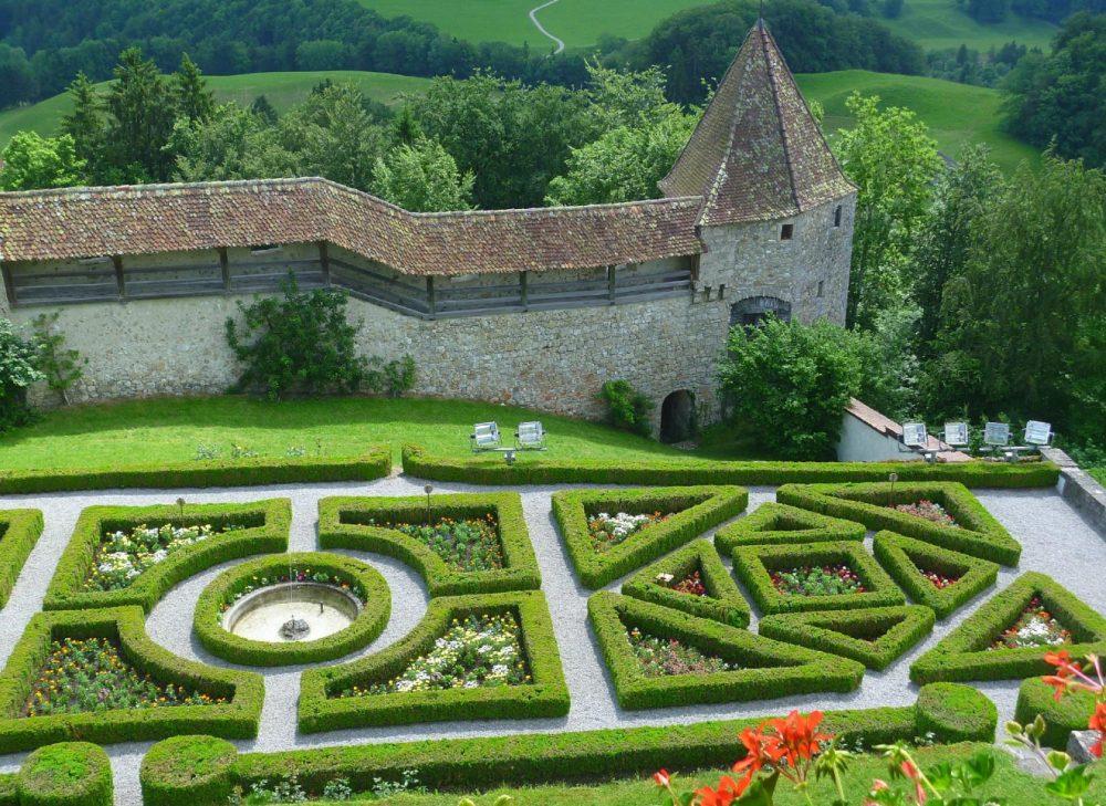 Французский сад замка Грюйер
