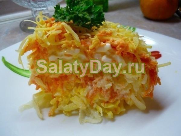 Салат «Восторг» с корейской морковью, пекинской капустой и тертым сыром