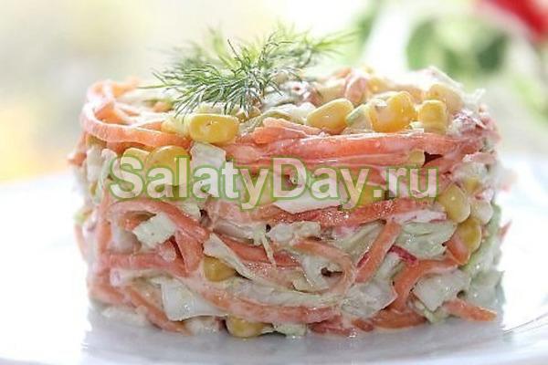Салат «Восторг» с корейской морковью, нежным крабовым мясом и сочной кукурузкой