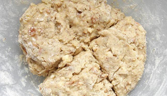 замешенное для печенья тесто