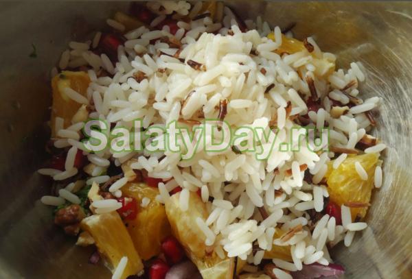 Рисовый салат с куриной грудкой и цитрусом