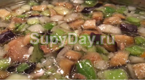 Овощной суп с курицей и вермишелью