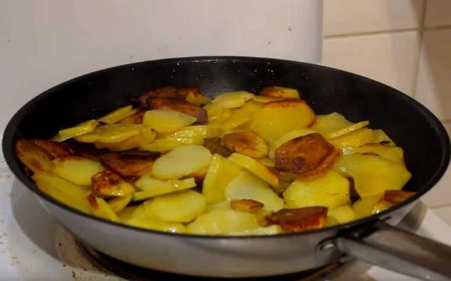 перевернуть картошку