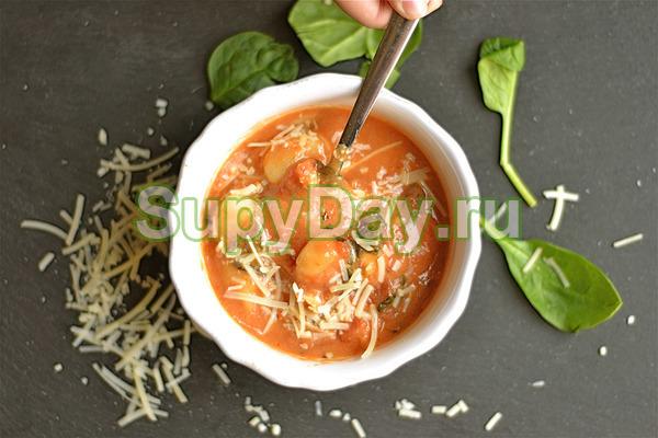 Флорентийский томатный суп с курицей