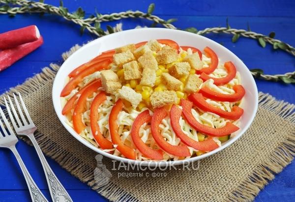 Фото салата c крабовыми палочками и болгарским перцем