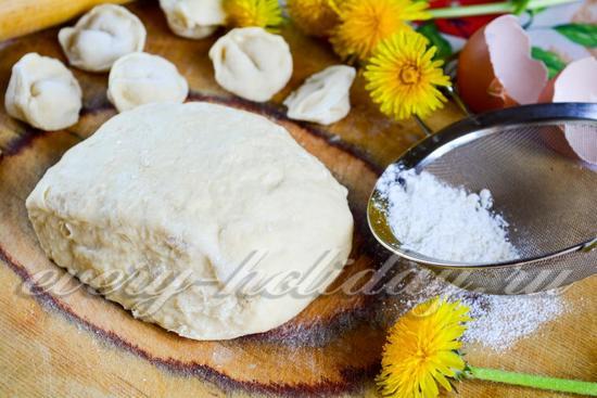 Тесто для пельменей, рецепт классический с фото пошагово