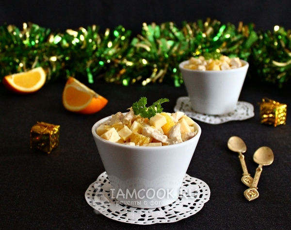 Рецепт салата с апельсином, курицей и сыром