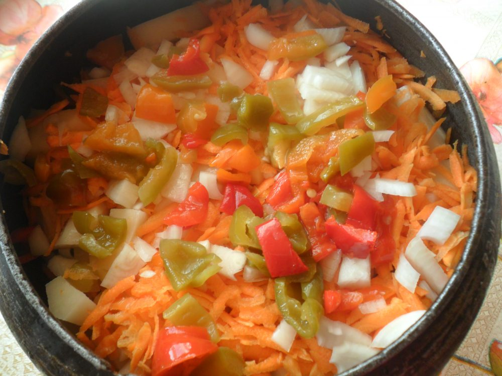 овощи в чугунке
