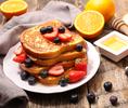 Не только масло: с чем подать тосты на завтрак