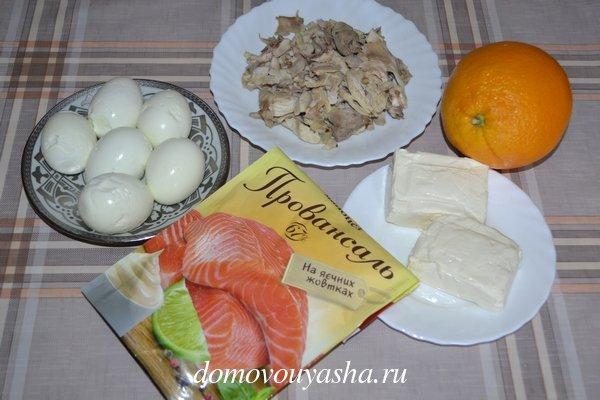 Слоеный салат с курицей и апельсином