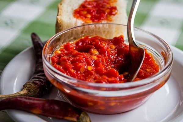 Рецепт очень вкусной аджики из помидор