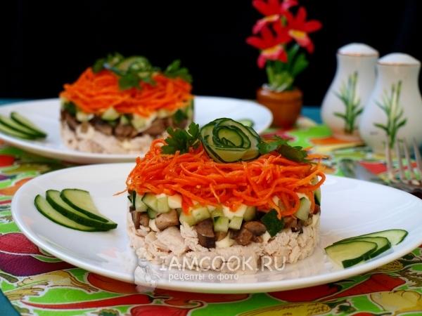 Фото салата «Восторг» с корейской морковью