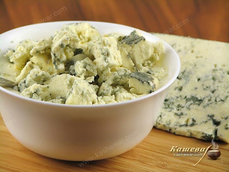 Голубой сыр с плесенью для соуса «Blue cheese»