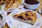 Дрожжевой пирог с вареньем