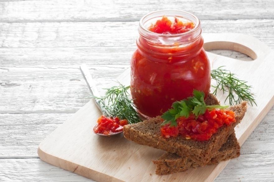 Вареная аджика из помидор