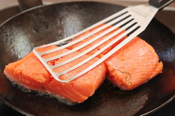 Как правильно приготовить красную рыбу дома