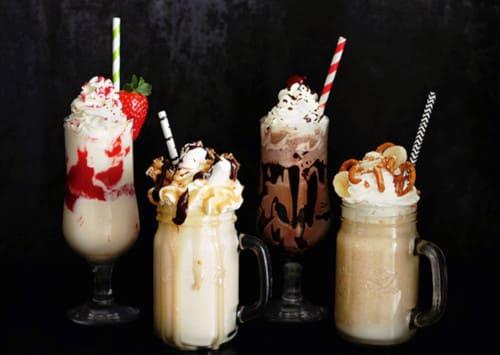 Молочные коктейли: ТОП-8 простых и ярких рецептов с разными вкусами   Алкогольные молочные коктейли