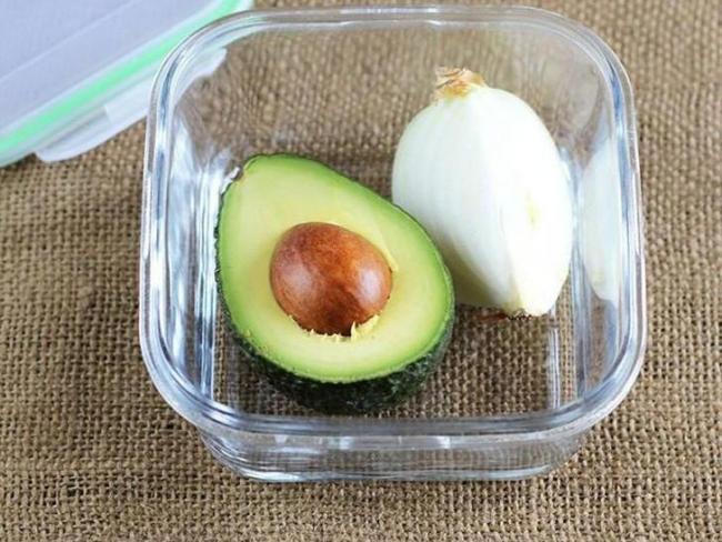 авокадо и лук