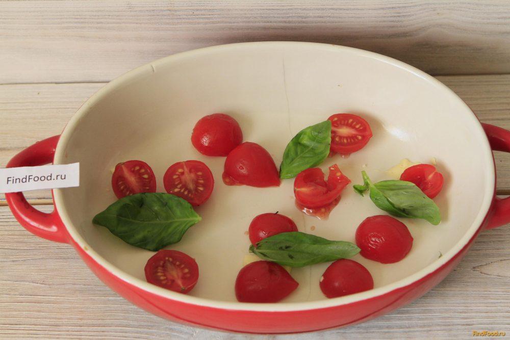 Омлет с помидорами и базиликом рецепт с фото 2-го шага