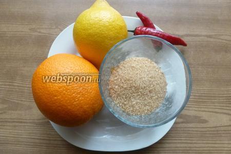 Для соуса нам нужны кисло-сладкий апельсин, перчик чили, коричневый сахар и сок лимона.