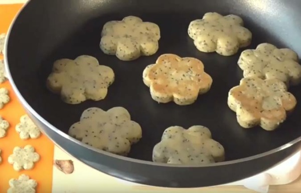 песочное печенье 5 выпекаем