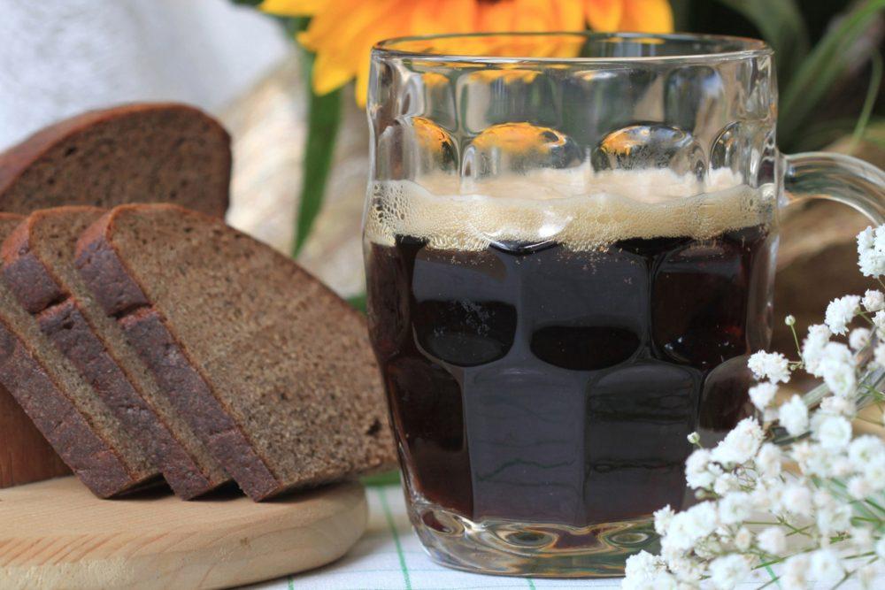 Квас из чёрного хлеба