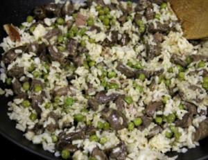 Салат из сердечек с рисом и зеленым горошком