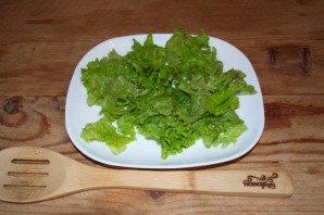 Салат с виноградом, сыром и чесноком - фото шаг 4