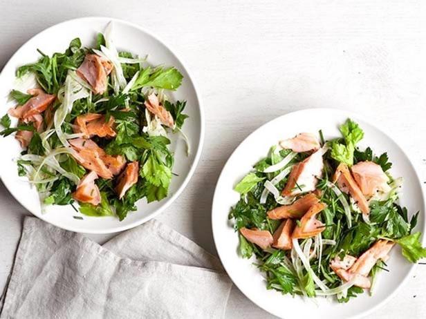 Салат с лососем и фенхелем