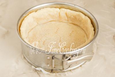 Рубленое тесто для американского тыквенного пирога практически готово