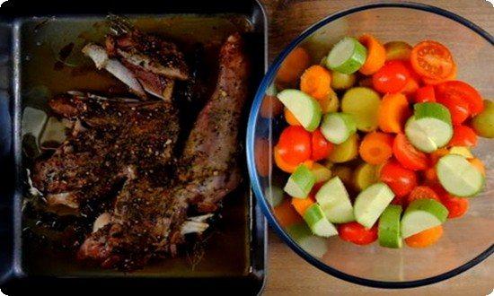 овощи солим и перемешиваем