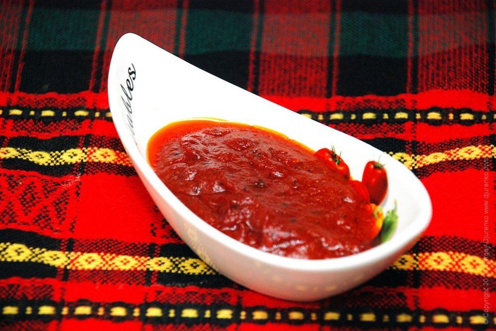 Как приготовить Гавайская пицца. Шаг 3: Домашний томатный соус