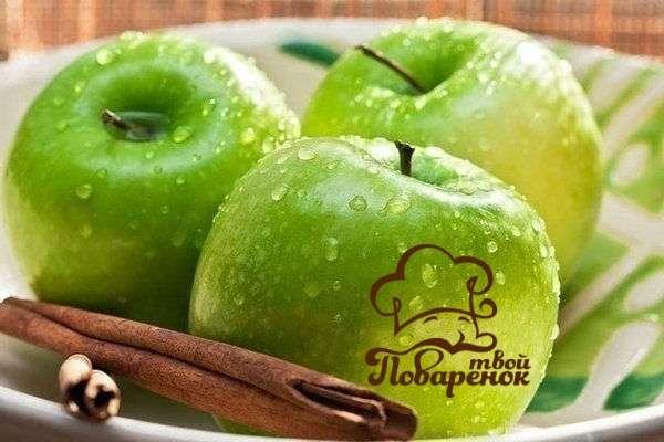 Как приготовить яблочную шарлотку с корицей