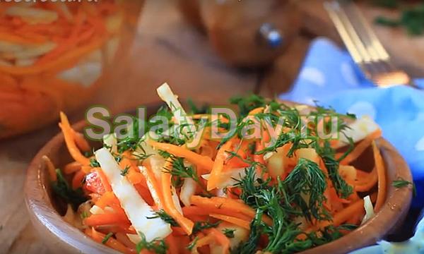 Витаминный салат из сырой тыквы и капусты