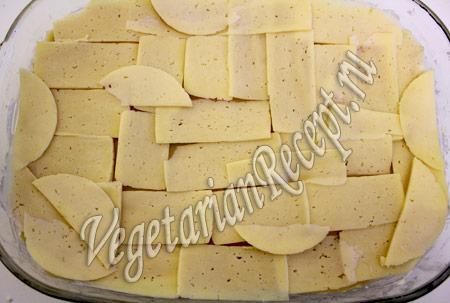 сырная лазанья - выкладываем сыр
