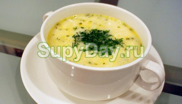 Сырный суп с консервированной сайрой
