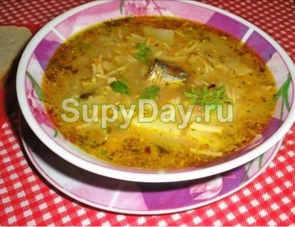 Вермишелевый суп с сайрой консервированной