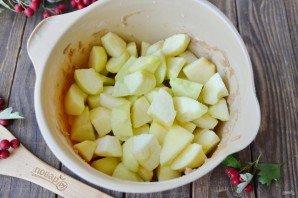 Шоколадная шарлотка с яблоками - фото шаг 7