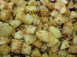 Картофель в духовке с пармезаном - фото шаг 4