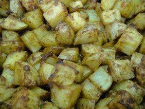 Картофель в духовке с пармезаном - фото шаг 5